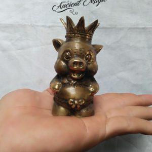 "Magical Artifact ""King Of Pigs"""