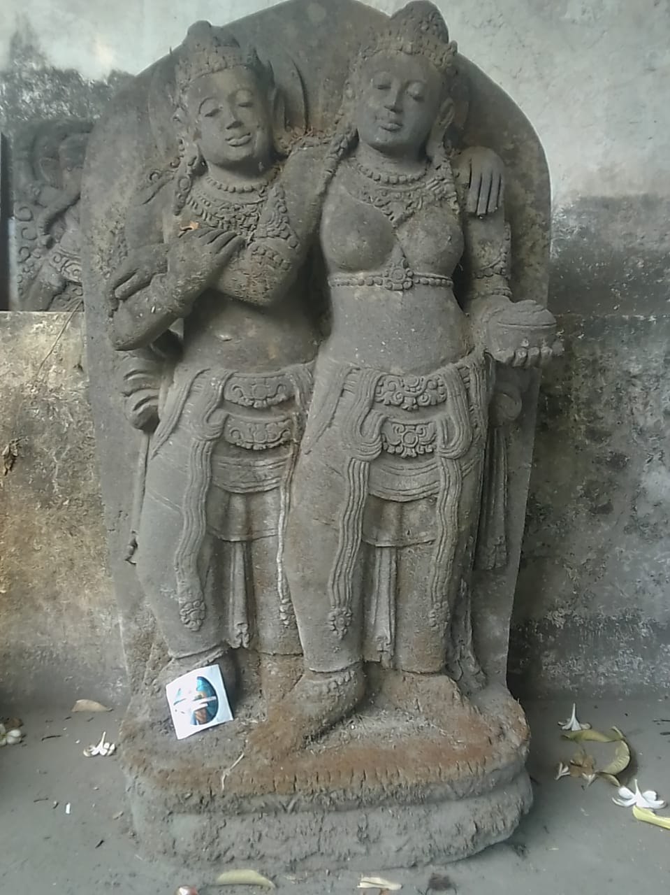 Statue of Rama and Sinta