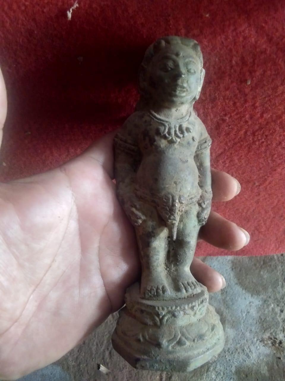 Buto Lewung Spiritual Statue